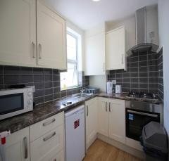 Barking Road,London,united kingdom E13,5 Bedrooms Bedrooms,2 BathroomsBathrooms,Flat,Barking Road,1125