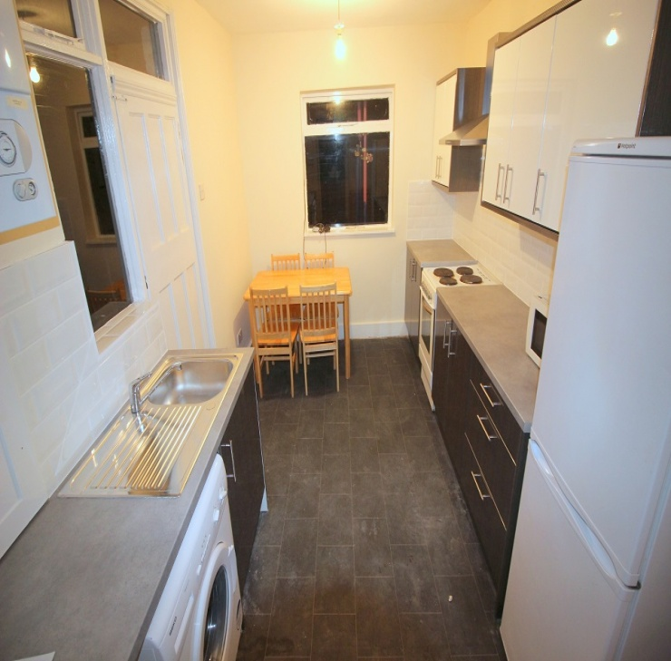 3 bedroom house terraced for rent 2 000 easy estates uk ltd