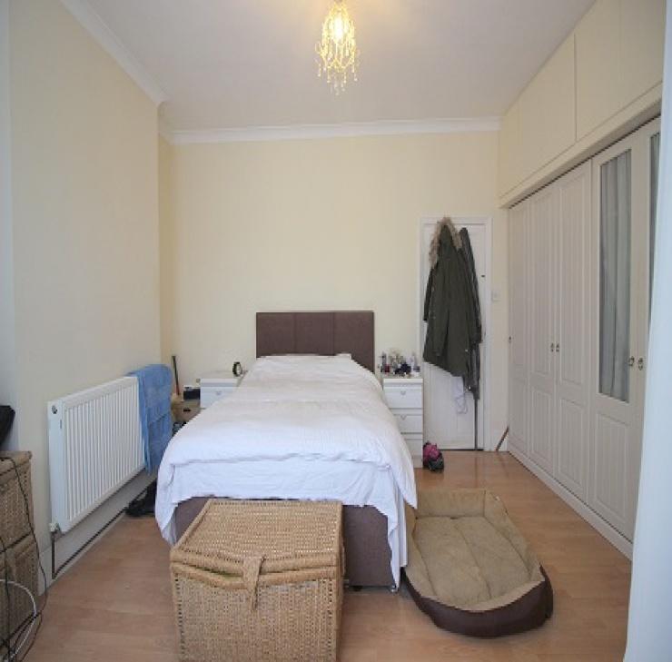 Kingswood Road,Ilford,united kingdom IG3,House,Kingswood Road,1154